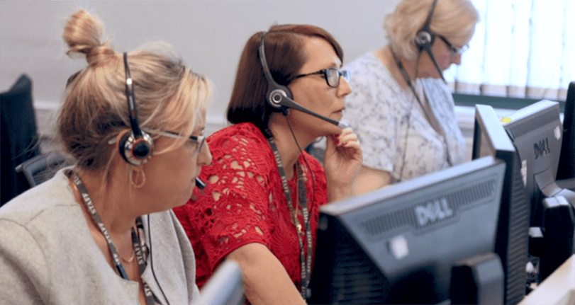 Contact centre agents 811x550
